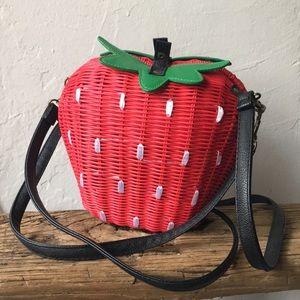 Handbags - Woven strawberry bag purse